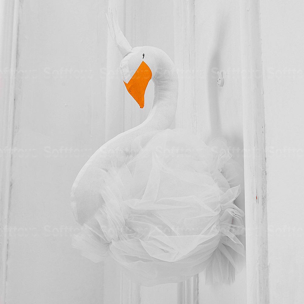 Мягкая игрушка- украшение Лебедь White