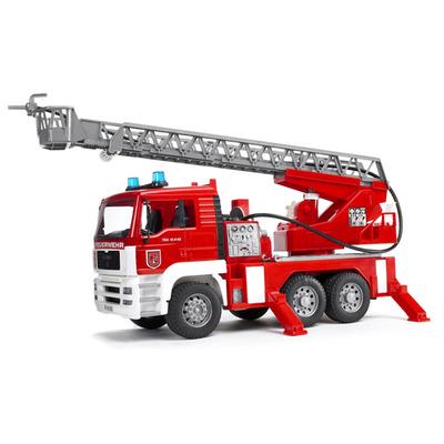 Игрушка Пожарный грузовик Bruder со светом и звуком (1:16)